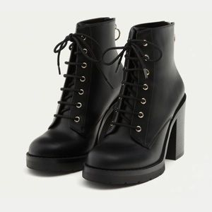 Pull&Bear Heeled Lace Up Booties